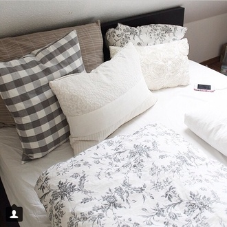 bedding print black white pillow