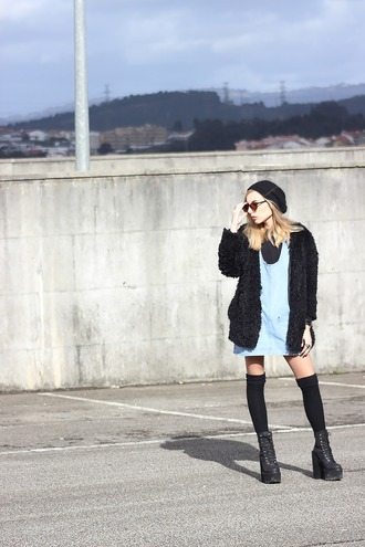 the black effect blogger fuzzy coat grunge shoes platform shoes blue dress knee high socks