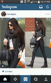bag,black purse,kendall jenner,kardashians,fashion,purse,cute,jacket,jeans,scarf,beautymanifesto