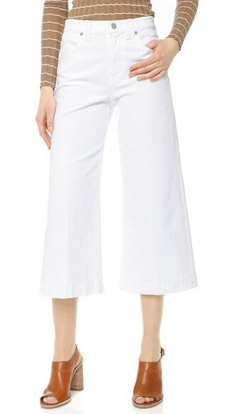 jeans runway white