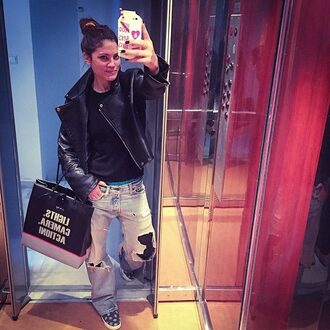 bag big bag black black bag brown bag quote on bag quote on it phone cover streetstyle casual style stylish fashion leather jacket leather black leather jacket black leather black blouse jeans acid wash jeans ripped jeans iphone case