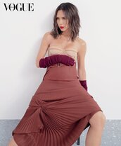 skirt,victoria beckham,editorial,vogue,pleated,fall colors,celebrity