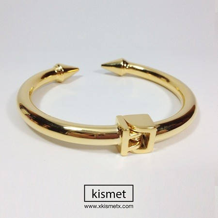 kismet                  - Gold Arrow Open Bracelet