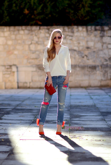 blogger denim jeans sunglasses oh my vogue blouse bag clutch ripped jeans