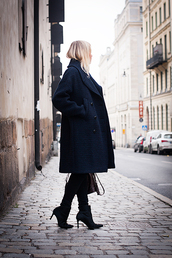 chaloth,blogger,top,jeans,bag,coat,navy