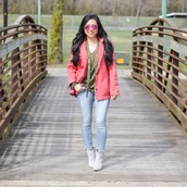 morepiecesofme,blogger,t-shirt,jeans,shoes,skinny jeans,ankle boots,pink jacket,spring outfits