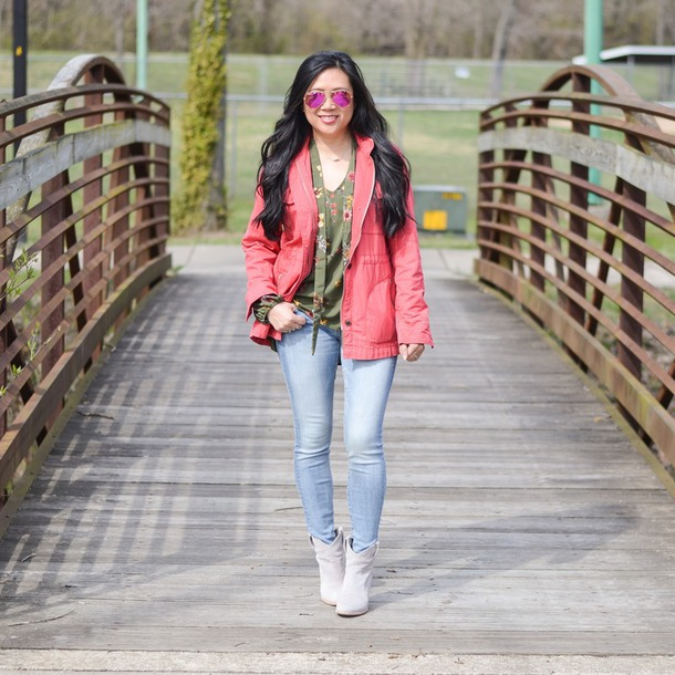 morepiecesofme blogger t-shirt jeans shoes skinny jeans ankle boots pink jacket spring outfits