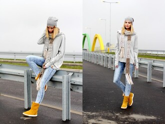 beauty fashion shopping blogger scarf jeans winter boots beanie