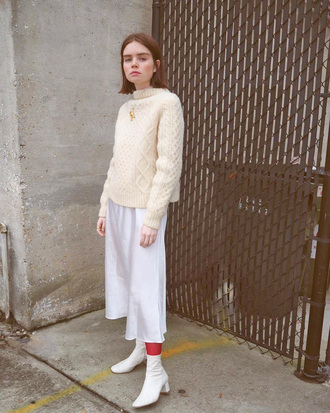 sweater tumblr white sweater knit knitwear knitted sweater pants white pants cropped pants culottes white culottes boots white boo white boots ankle boots all white everything