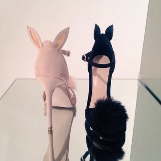 shoes pink heels black heels faux fur fur bunny bunny ears fluffy heels black pink pastel pink pastel black shoes pink shoes pastel shoes