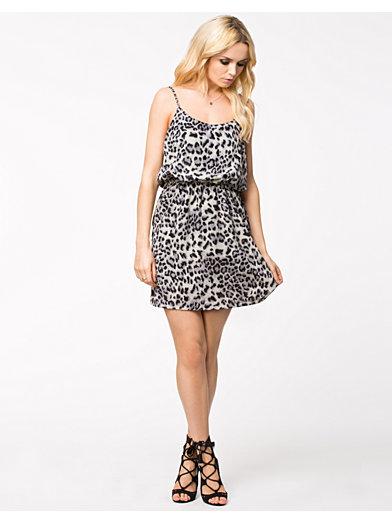 Bulge Dress - Nly Trend - Mönstrad - Festklänningar - Kläder - Kvinna - Nelly.com