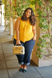 garner style,blogger,jeans,top,bag,jacket,plus size jeans,plus size top,curvy,plus size