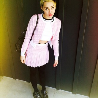 jacket skirt shoes fall outfits miley cyrus cardigan