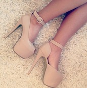 shoes,heels beige,beige,heels,ankle stap,nude pumps,cream high heels,high heels,nude high heels,nude shoes