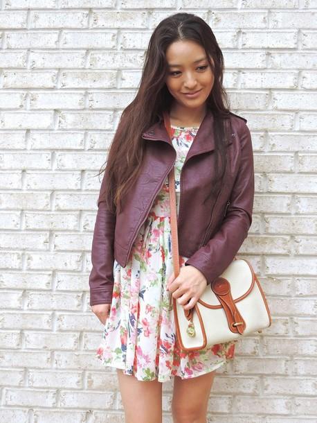 sensible stylista blogger tights socks sunglasses jacket bag