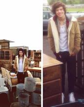 jacket,harry styles,one direction,beige,menswear,outside,winter outfits,fall outfits