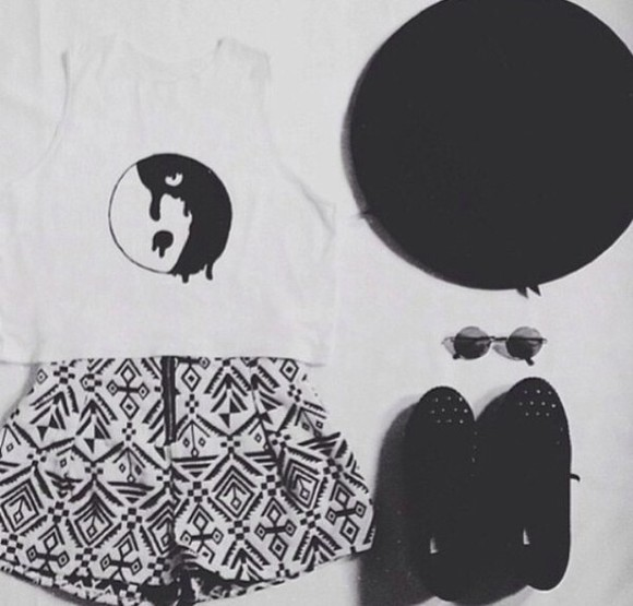 white crop tops t-shirt ying yang