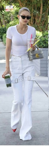pants,gigi hadid,white,white pants,cute,hot,lady addict