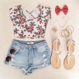 top floral top roses sunglasses jewels hair accessory shorts jeans cute shorts floral floral shirt shirt crop tops cute