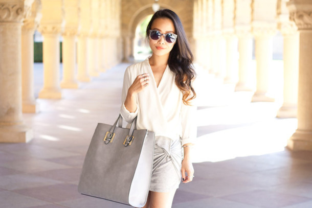 it's not her it's me blogger blouse bag sunglasses