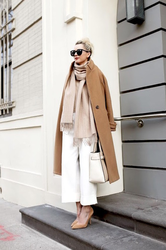 le fashion blogger classy cropped pants white pants wool coat
