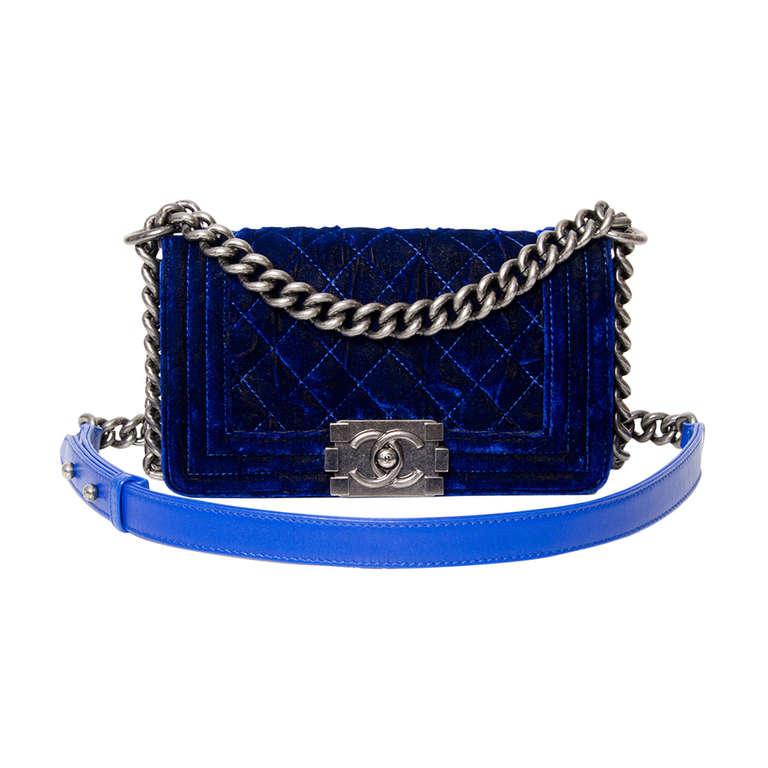 b051bd53aed5c4 Chanel Boy Flap Bag Blue Velvet 20 | 1stdibs.com