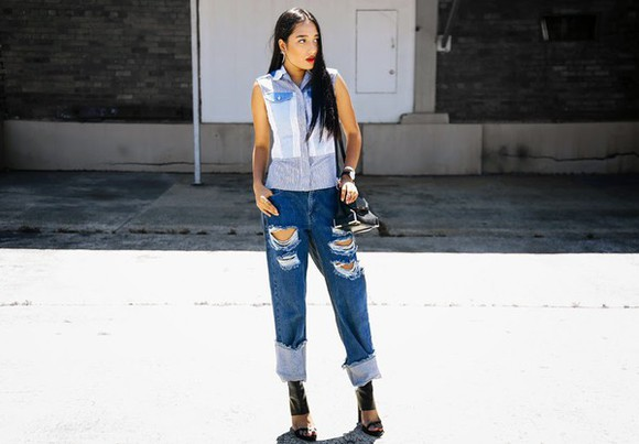 shirt jewels blogger bag inside in inside out ripped jeans