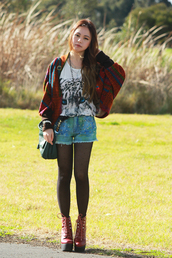 chloe ting,t-shirt,shorts,jewels,belt,shoes,sweater,bag