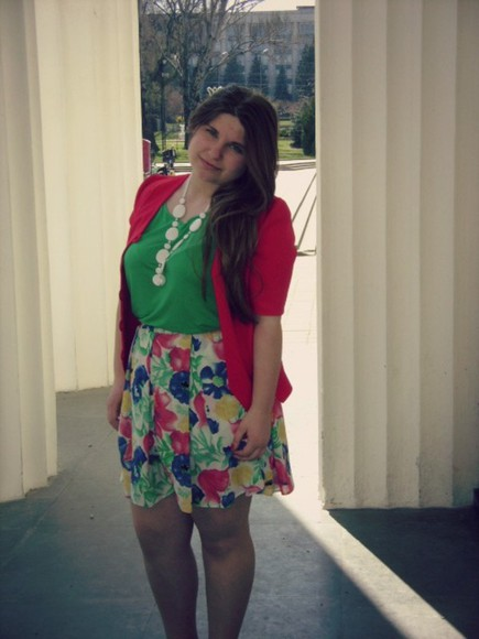 blouse skirt flowered skirt green blouse res red jacket