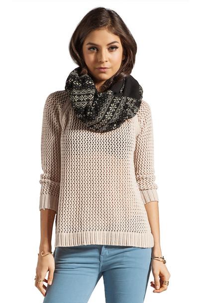 Plush scarf black