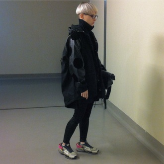 shoes sneakers sportswear aesthetic tumblr grunge pale grunge dark soft grunge coat black all black everything streetstyle style pale pale dark fall outfits