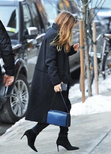 olsen sisters blogger black coat winter coat blue bag boots shoulder bag coat bag jeans shoes
