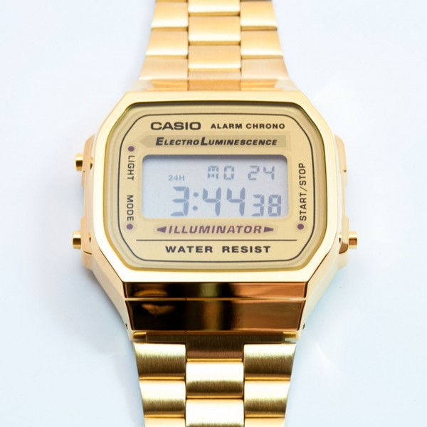 casio mid size gold tone digital retro