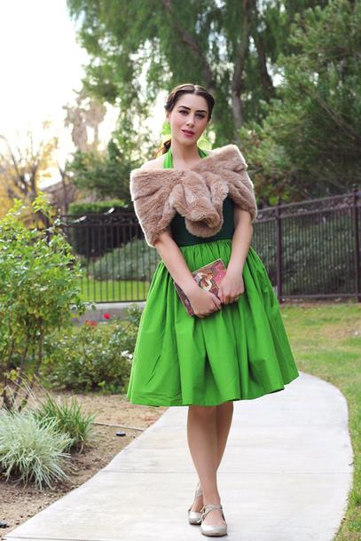 southerncaliforniabelle blogger dress shoes scarf bag winter outfits retro retro dress fur scarf clutch vintage