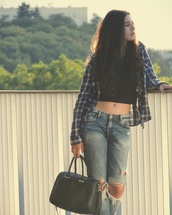 jeans,grunge,flannel pattern,flannel,ripped jeans,boyfriend jeans,crop tops,black crop top,nike,nike air force 1,purse,black purse,alternative
