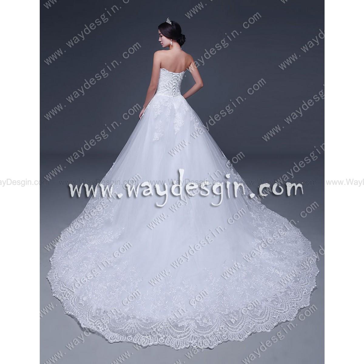 Elegant A-line Strapless Applique Court Train Sleeveless Wedding Dress