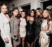 jewels,marianna hewitt,blogger,instagram,kim kardashian,kim kardashian style,kourtney kardashian,chrissy teigen,model,model off-duty,kardashians,keeping up with the kardashians,celebrity style,celebrity,celebstyle for less,choker necklace,black choker,necklace,jewelry