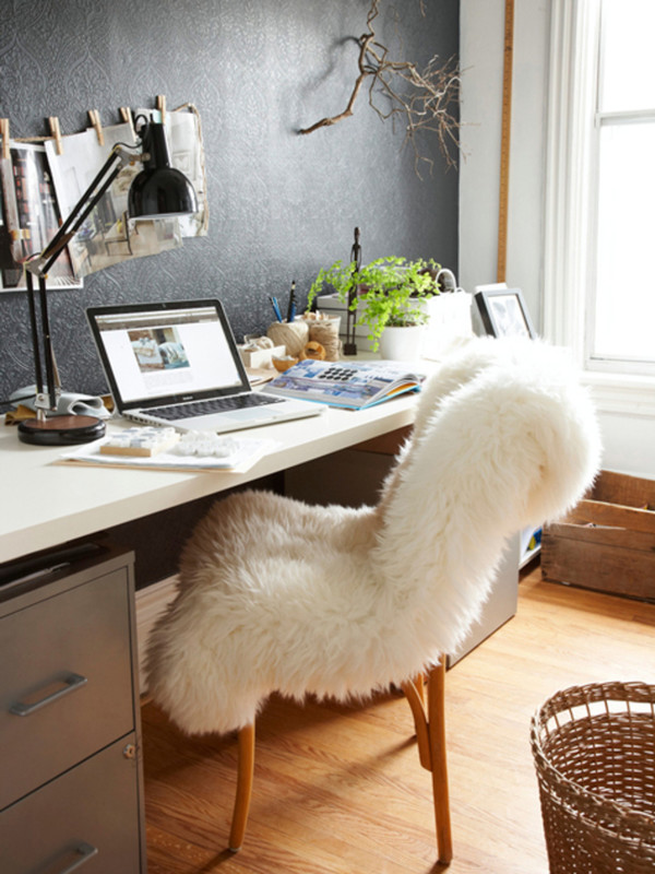 cocorosa blogger home decor fluffy lamp chair lifestyle faux fur desk rug our favorite home decor 2015