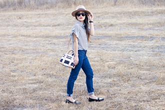 it's not her it's me blogger jeans blouse bag jewels