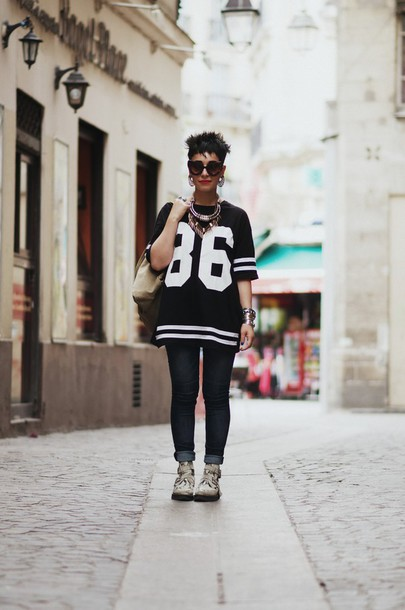 let's get flashy shirt jeans shoes sunglasses make-up