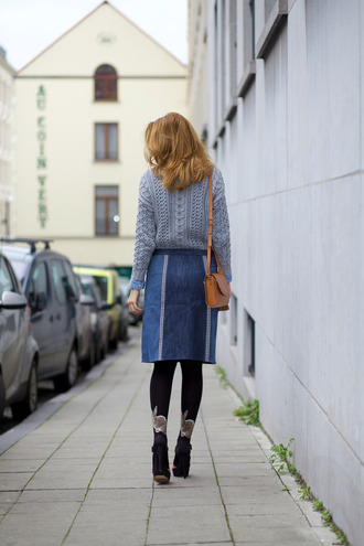 from brussels with love blogger sweater blouse skirt tights shoes bag