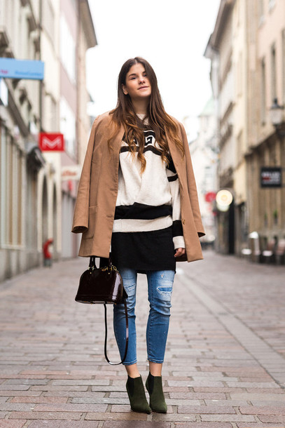 the fashion fraction blogger dress jeans camel coat oversized sweater coat sweater shoes bag printed knit dress