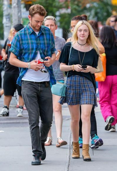 dakota fanning shoes bag