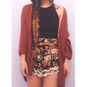 sweater scarf black shoes tank top shorts floral high waisted brown cute belt sleeveless dark orange high shorts dark colors flowery shorts blouse cardigan vesttop floral shorts mustard shirt skirt spring cute look casual floral summer outfits tumblr simple hipster coat burgundy red over-sized summer outfits indie grunge style vintage short shorts floral shorts flower crown lookbook short shorts scarf red