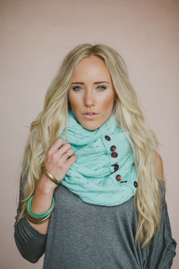 scarf buttons knit mint