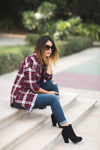 five five fabulous blogger ripped jeans plaid shirt