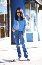 hallie daily,blogger,jeans,quilted,denim jacket,jacket,jewels,shirt,sunglasses,shoes