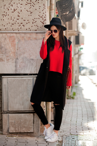 the bow-tie blogger coat sweater jeans hat bag black and red streetwear black coat red sweater topshop romwe zara