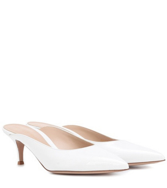 Gianvito Rossi Paige leather mules in white