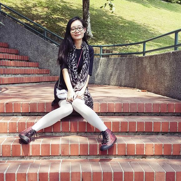 high top sneakers pupuren blogger tights bag zebra print scarf cats